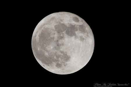 201205_moon.jpg